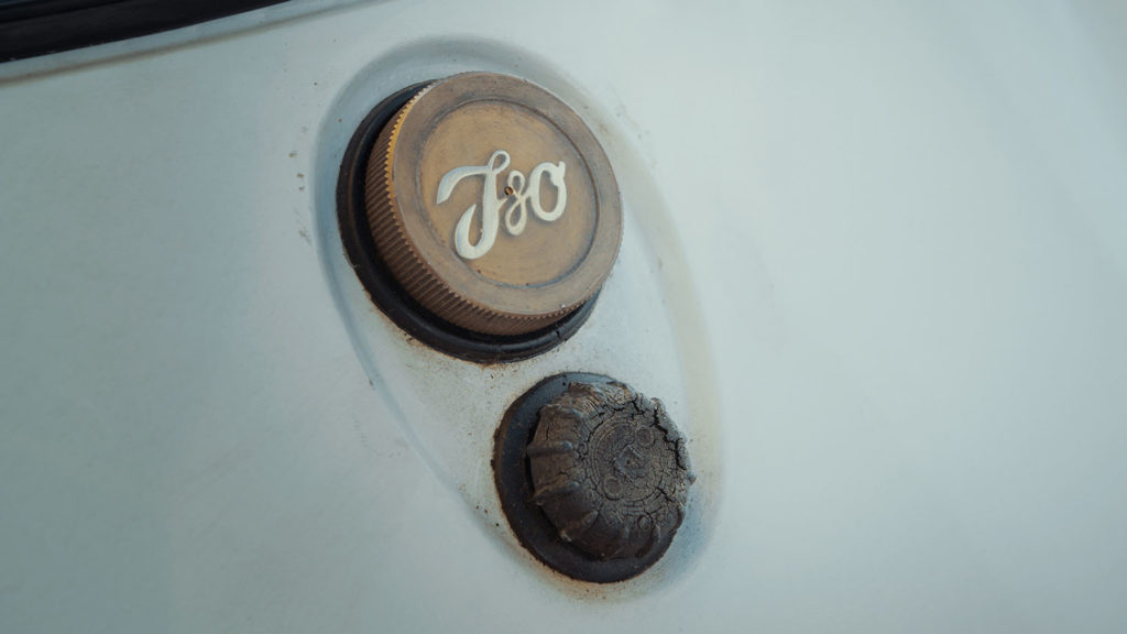 Iso Rivolta Isetta Bmw gas detail logo